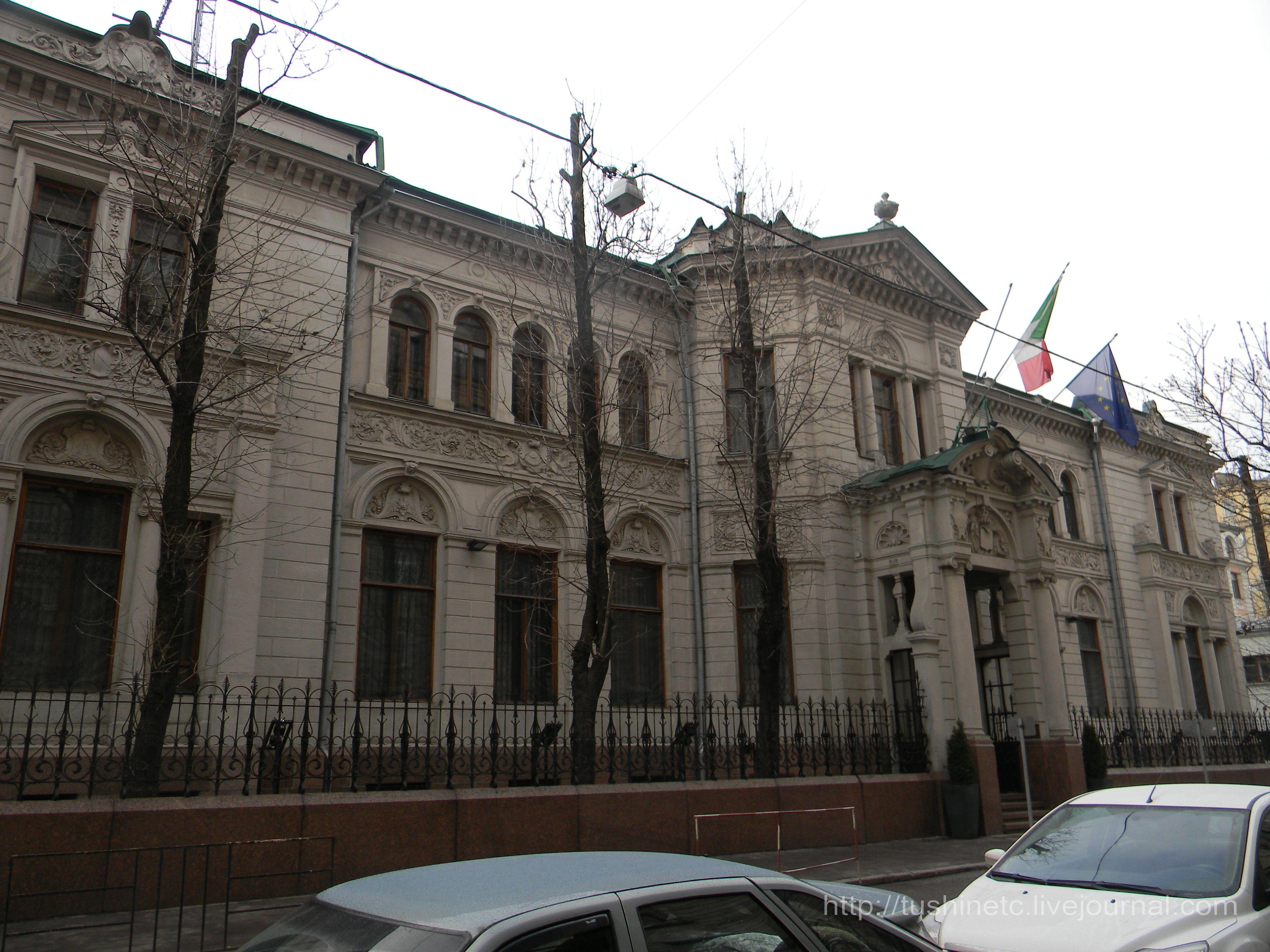 Экскурсии в посольства в апреле и мае.