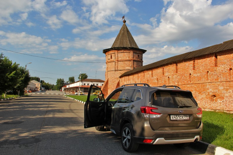 300 вариантов парковки в Юрьев-Польском. В Суздале с этим сложнее.