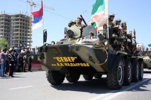 Город Грозный, 9 мая 2013 г. Вы узнаете на бронетехнике российский флаг