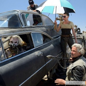 kinopoisk.ru-Mad-Max_3A-Fury-Road-2587948