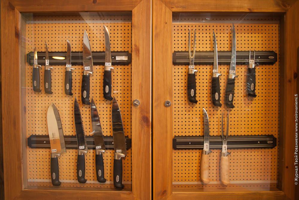 как разместить коллекцию ножей на стене фото добавим эффект огненных