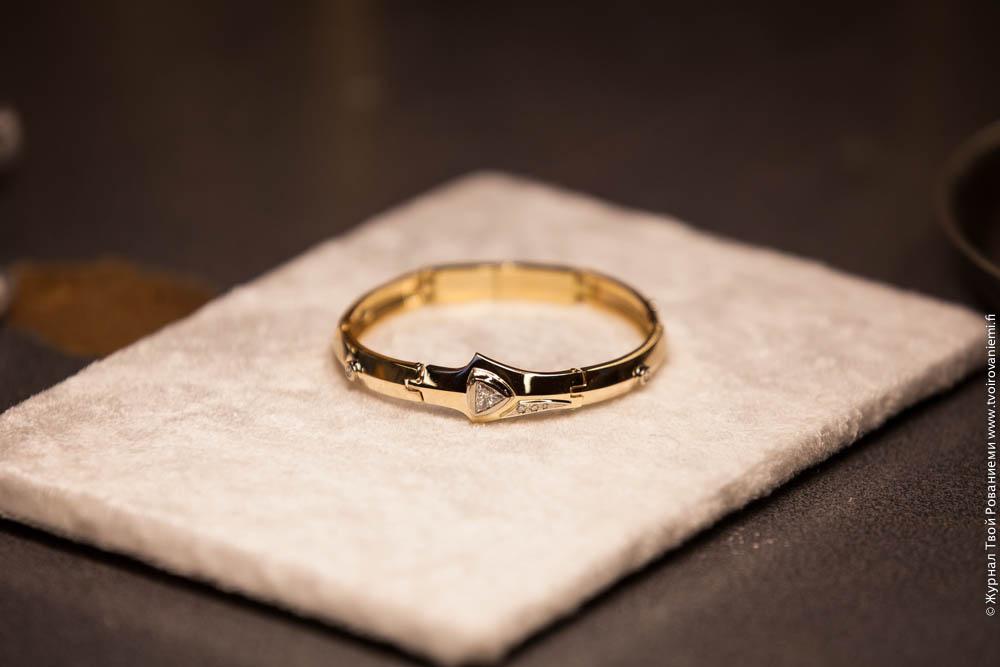 Фото золотых браслетов цельных
