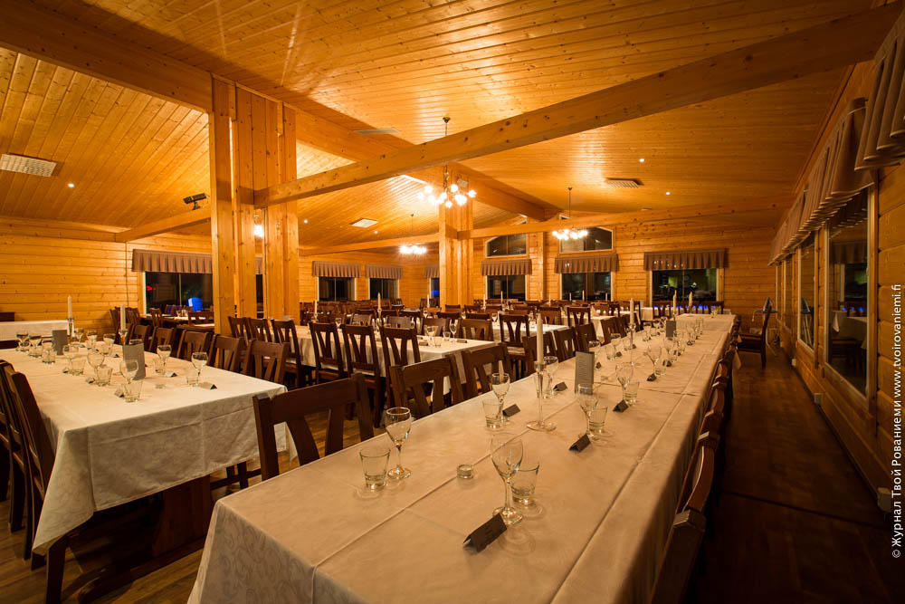 Теплый ресторан в Арктик Сноу отеле