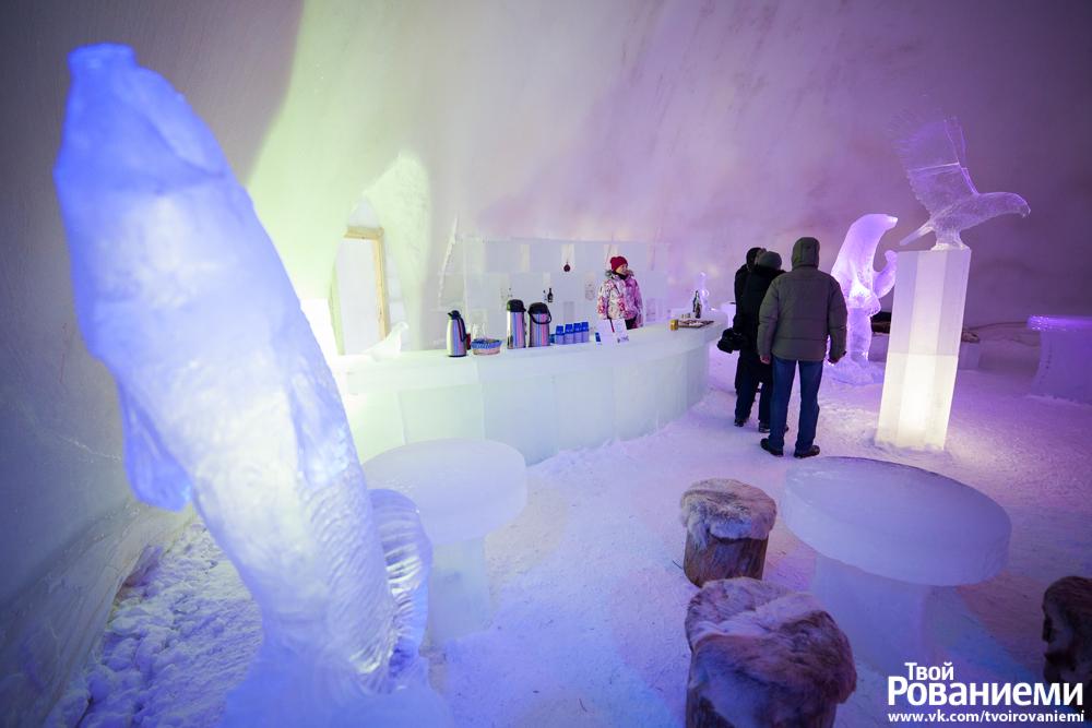 Ледяной бар в Мире Снеговиков