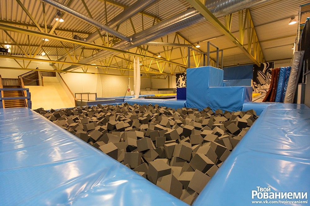 Детский спортивный парк Ролло-халли для детей старше 7 лет.
