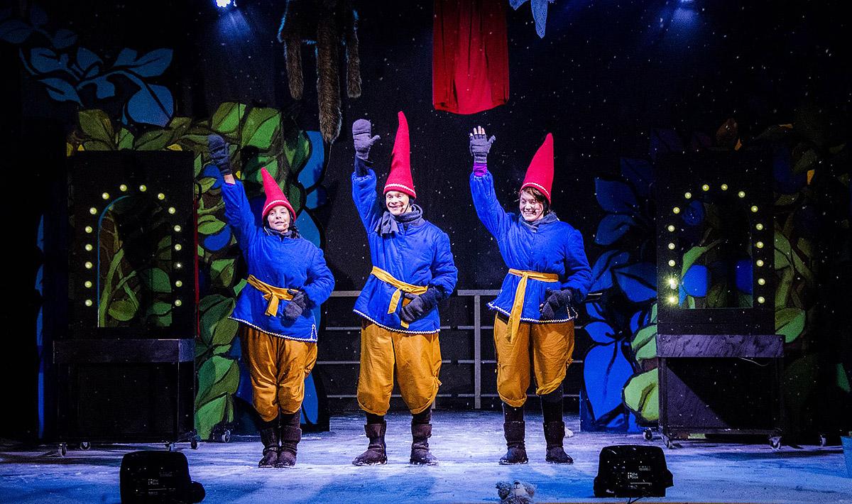 Театр эльфов в Деревне Санта Клауса.