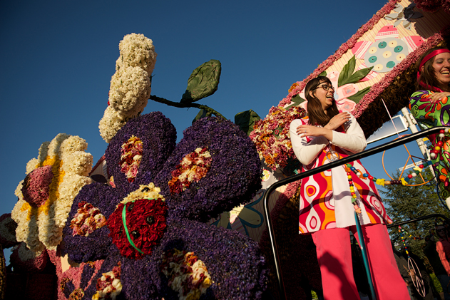 Flower_parade_01