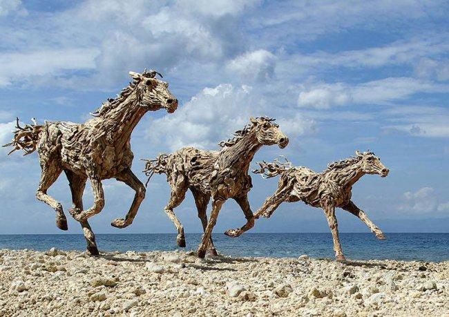 Деревянные-лошади