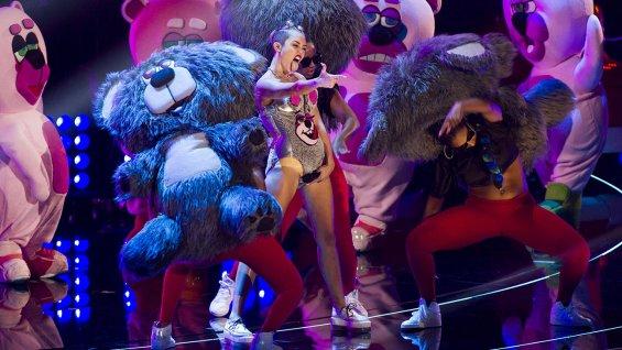 Miley_Cyrus_MTV_VMA_a_l