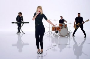 taylor-swift-shake-it-off-video-2014-billboard-650