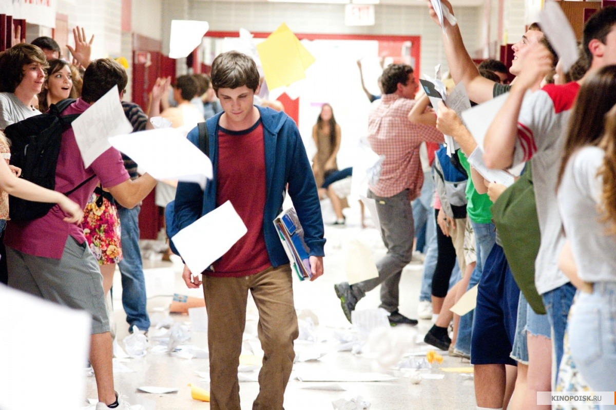 kinopoisk.ru-The-Perks-of-Being-a-Wallflower-2001637