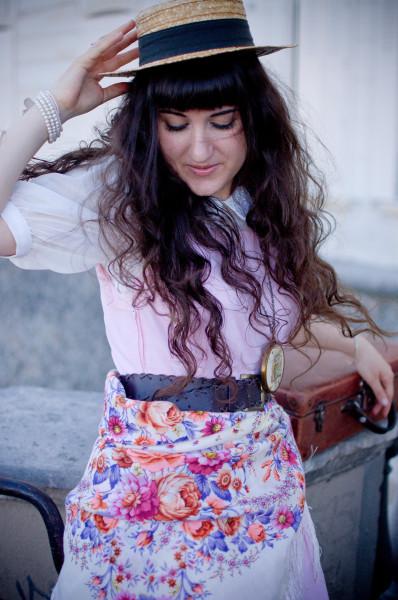 Comtesse-Sofia-Missmillysboudoir-beauty-scarf-flower-paris-french-summer-russian-fashion