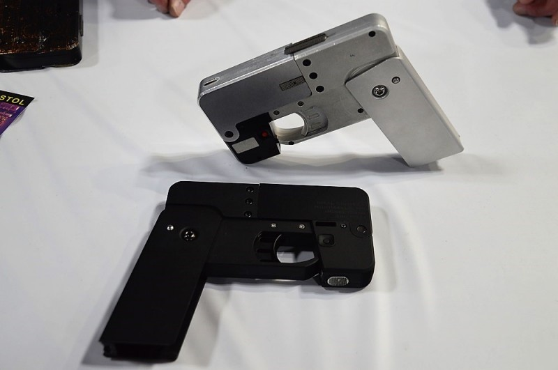 Ideal-Conceal-folding-cell-phone-gun-is-now-shipping
