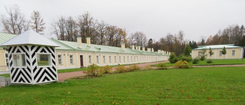 Дворцовые дворы — западный флигель Большого Дворца