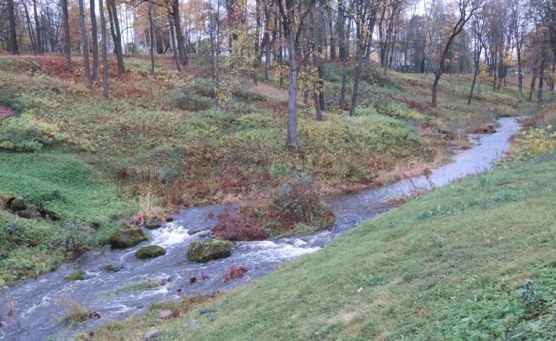 Долина реки Карастра на её выходе из парка