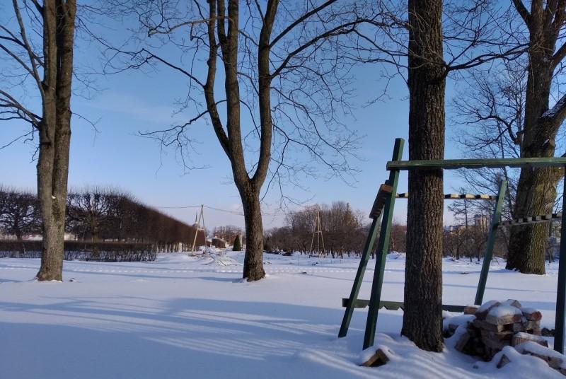 Собственно парк был в очень хорошем состоянии. А вот пруды и фонтаны выглядели довольно неприглядно.
