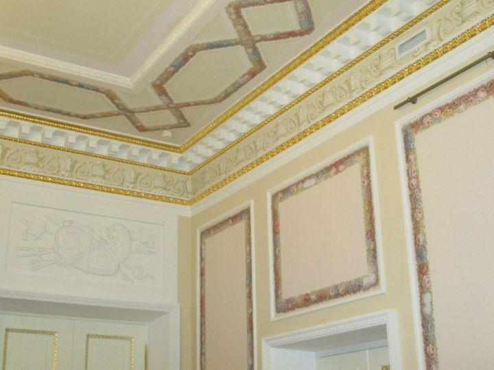 Декор потолка и стен = так себе...