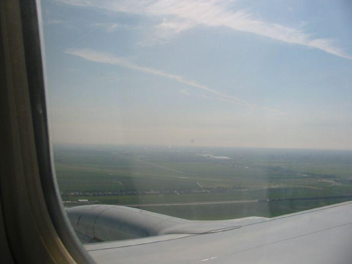 Подлетаем к Амстердаму.