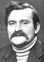 Лех Валенса (р.1943), польский политический деятель,  первый руководитель профсоюза «Солидарность», президент Польши (1990-1995)