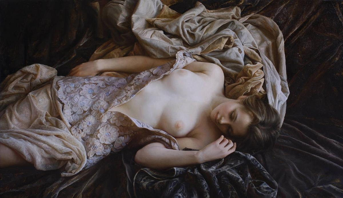 нежность тела обнаженной русской женщины-фото
