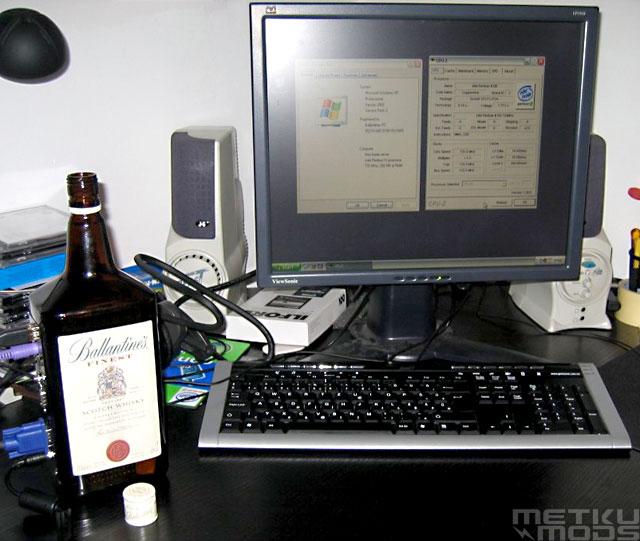 Системник в бутылке из-под виски