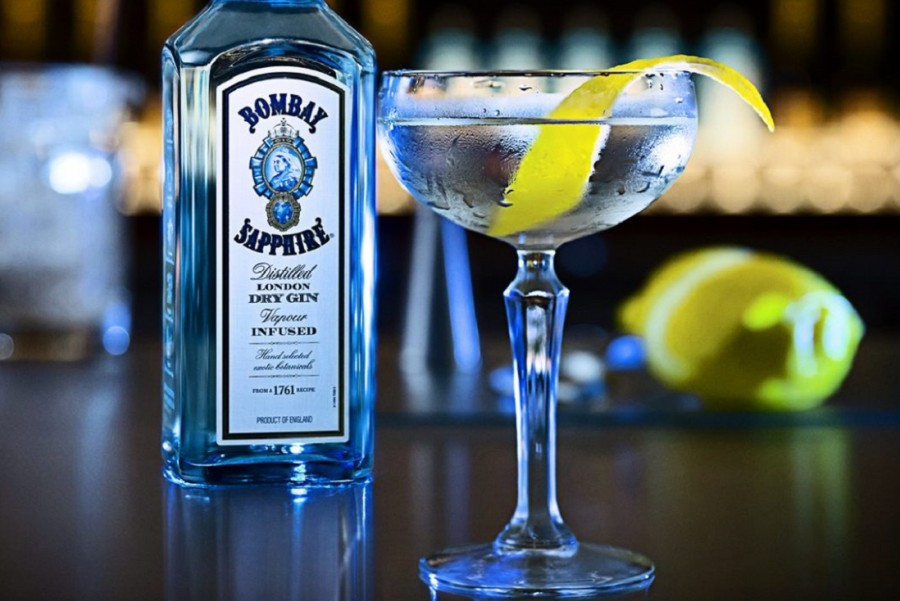 FY17_Bombay_Delight_FY17Q4_BombaySapphireClassicMartini_Cocktail-_Static1080x1080-1050x1050