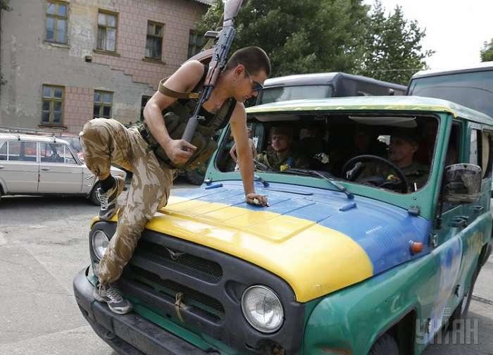 Боевики Айдар захватили запорожский завод