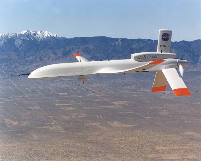 «От дополнения к постепенной замене»: эксперт о месте беспилотников в современной авиации