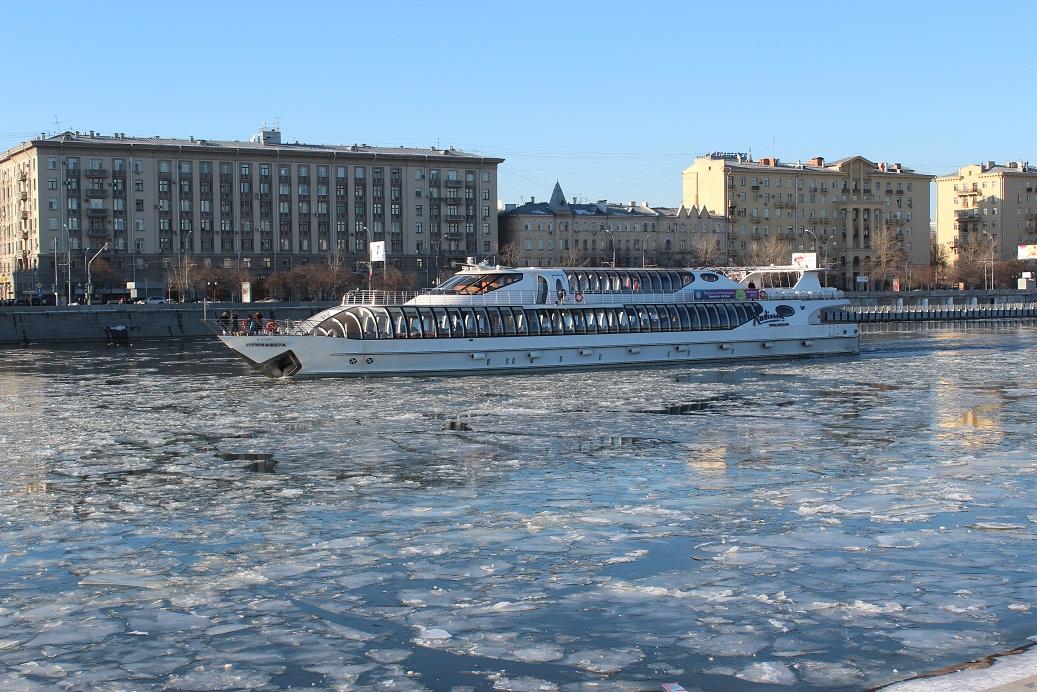 Начало навигации на Москва-реке
