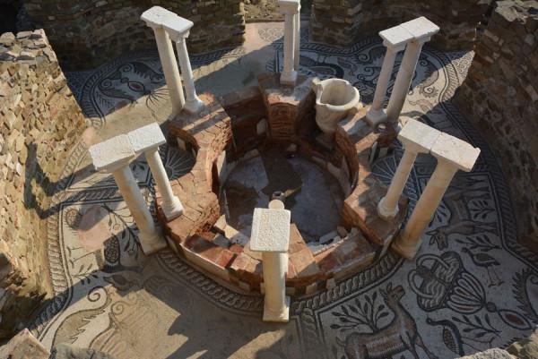 Македония-12. Стоби, Епископская базилика. Мозаики