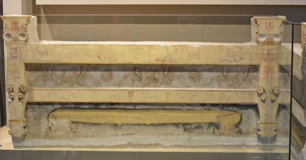 Античная мебель из Археологического музея Салоник