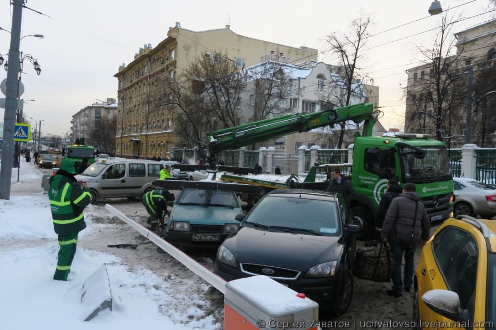 {как в Москве эвакуируют автомобили}-2