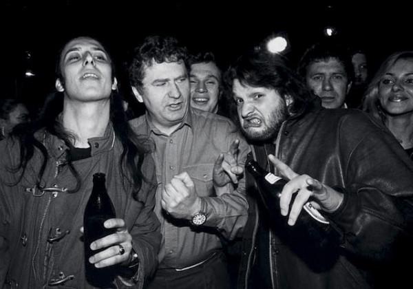 жириновский на открытии рок-клуба в Москве 1992