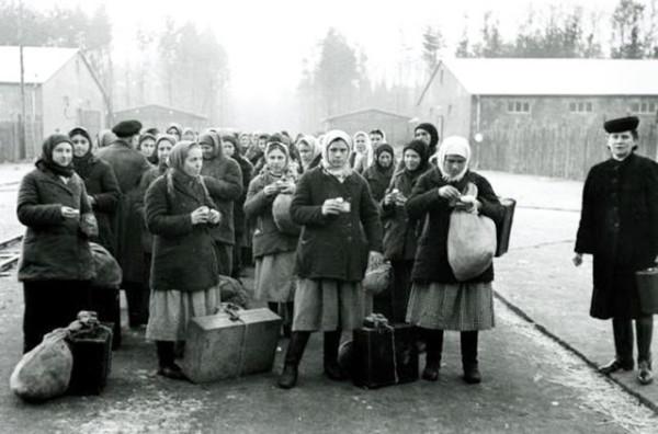 Прибытие в пересельный лагерь
