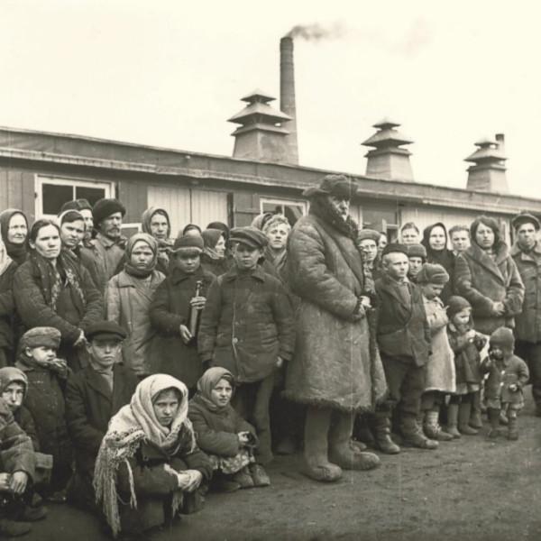"""советские Zwangsarbeiter""""ы с детьми с лагере"""