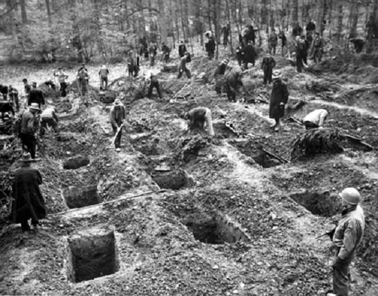 немцы раскапывают трупы в Зуттропе-1-big