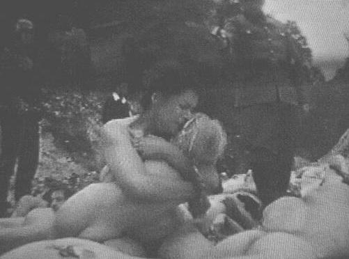 Женщина и ребенок - Бабий Яр-3
