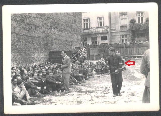 Львов - погром. Полицай и евреи +стрелка