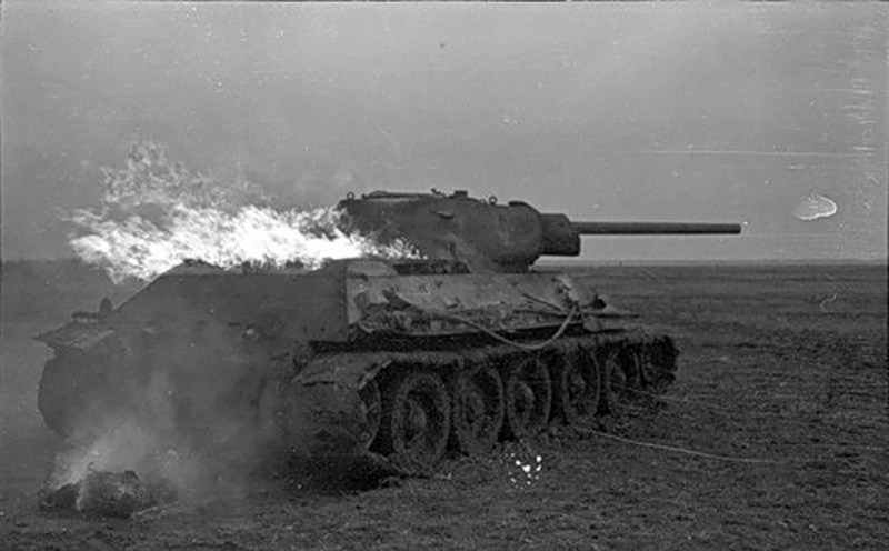 august_1942_горящий танк