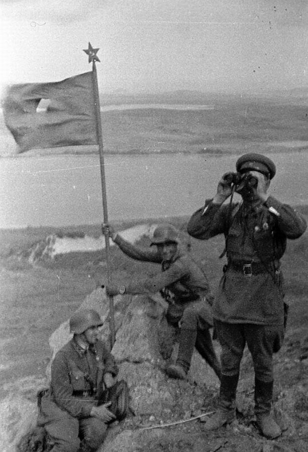 Солдаты на сопке Заозерная 1938 (оз.Хасан)