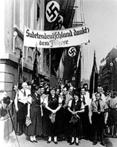 Судеты. немцы благодарят Гитлера