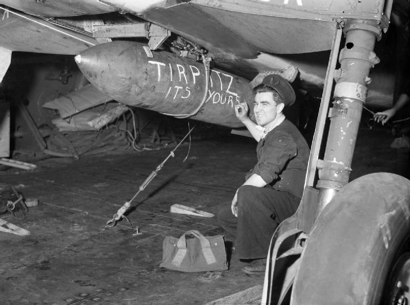 Авианосец HMS Furious, 3 апреля 1944 г. (Тирпиц. Это твоё).