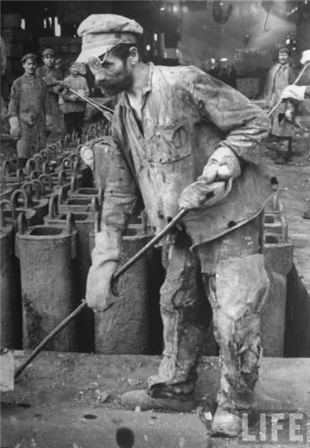 СССР, Магнитка, 1931 г.  Советские рабочие.  Маргарет Бурк-Уайт (США). 1