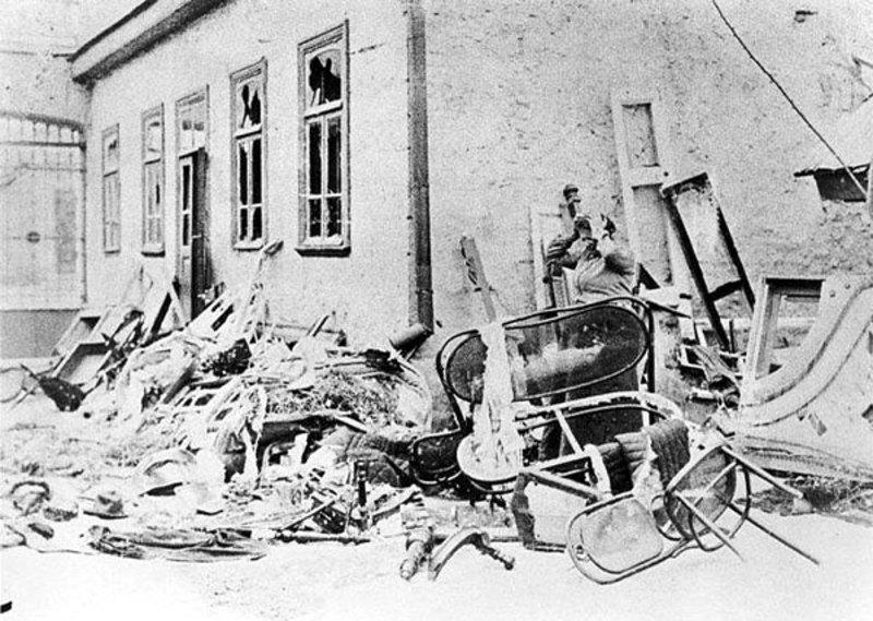 Житомир.1905г. Еврейский дом разгромленный погромщиками