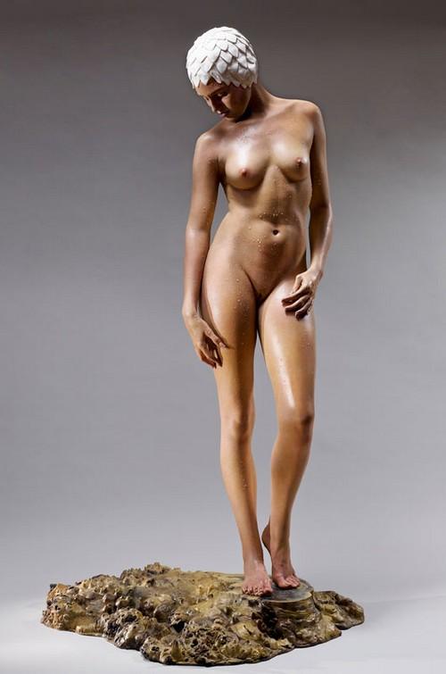 carole-feuerman-hyper-realism-sculpture 3