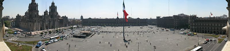800px-Zocalo_Panorama_seen_from_rooftop_restaurant