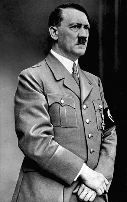 420px-Bundesarchiv_Bild_183-S33882,_Adolf_Hitler_retouched