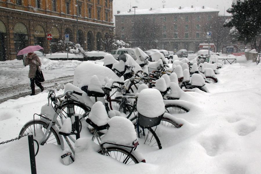 Снег в Болонье