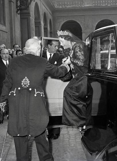 Ретро-фото: Визит королевы-матери Елизаветы в Ватикан, 1959 год