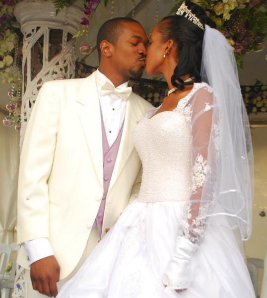 wed-13-kiss